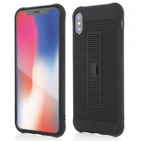 Capac de protectie pentru iPhone X/XS, silicon moale cu perforatii si curelusa sustinere telefon, negru